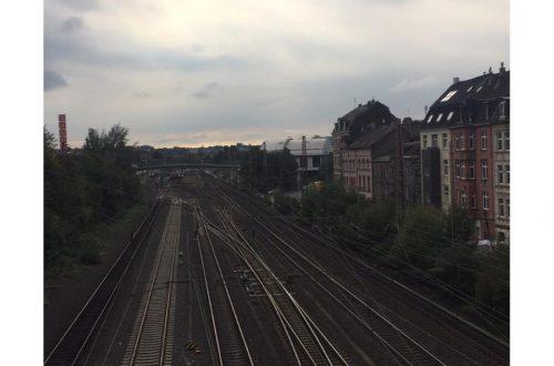 Rel kereta api Wuppertal