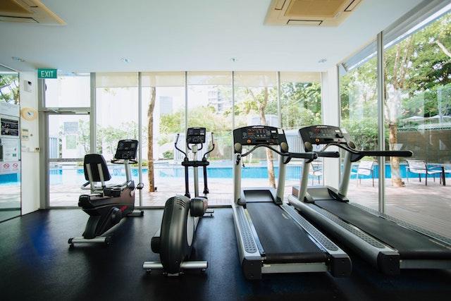 jalan kaki di treadmill